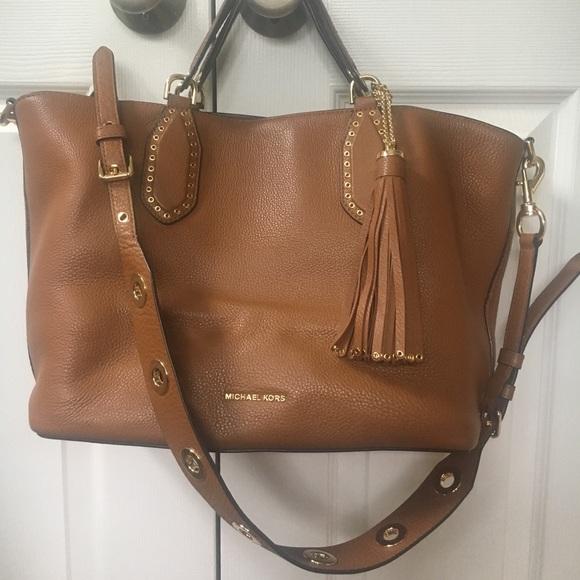 a6fb930acbd9 Michael Kors Brooklyn Large Grab Bag. M 5b0b1b5b8df470936f94f485
